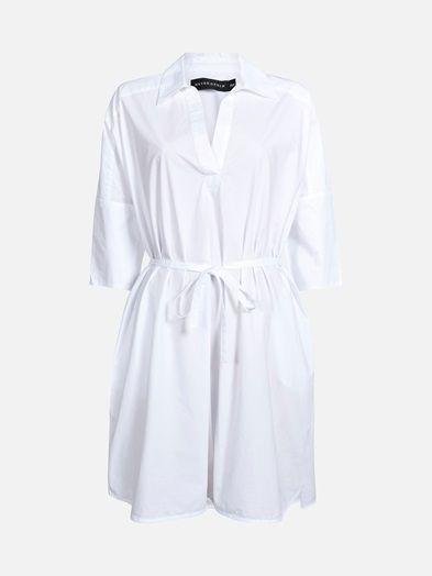 Oversized cotton dress. Threequarter sleeve. Tie belt in the waistline. V-shaped neckline. NEVER DENIM.    Valkoinen