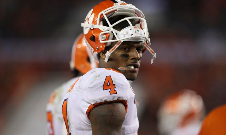"""Texans sign former Clemson QB Deshaun Watson = The Houston Texans have agreed to terms with former Clemson quarterback Deshaun Watson, per John McClain of the Houston Chronicle, who wrote: """"Quarterback Deshaun Watson, inside linebacker Zach Cunningham and cornerback Treston Decoud have signed contracts with….."""