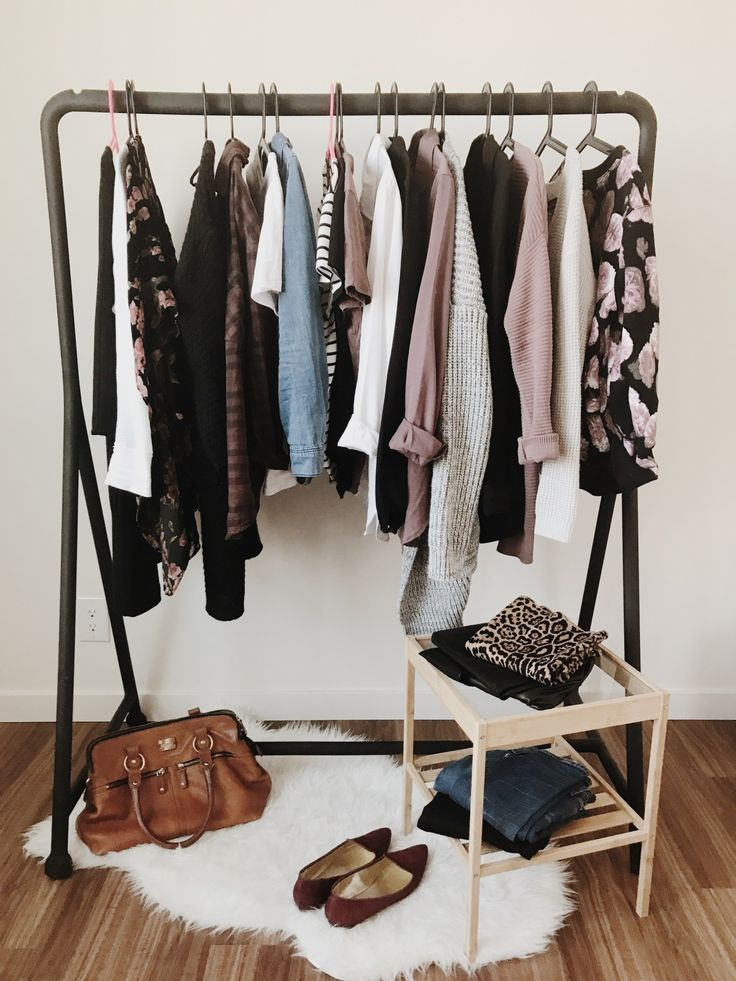 How to plan out your capsule wardrobe + a handy worksheet!