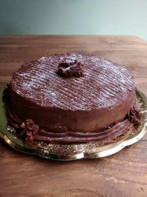 Tarta de chocolate sin gluten y sin proteina de leche lpv