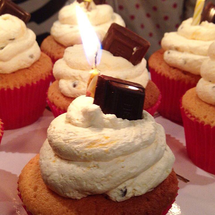 Celebra tu próximo cumpleaños con unos Cupcakes de Hershey's. - #SoSweet #Pastelería #Repostería #PastryShop #ReposteríaArtesanal #Cupcakes #CupcakeFactory #CupcakesEnBogotá #Herseys #Bogotá www.SoSweet.com.co