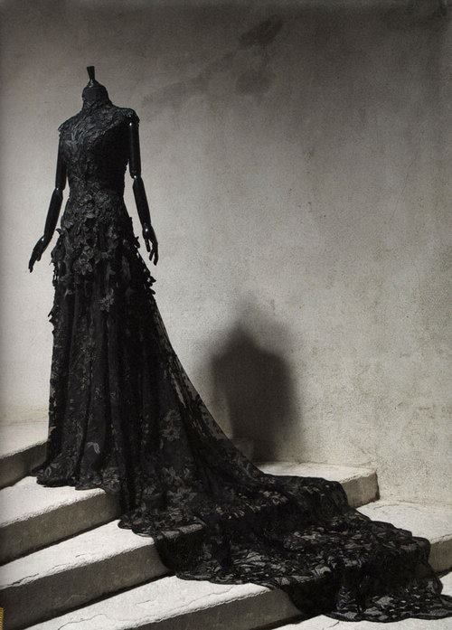 Black lace Victorian dress. Follow http://www.pinterest.com/vglondon/ for the BEST trends in victorian vintage goth glory!