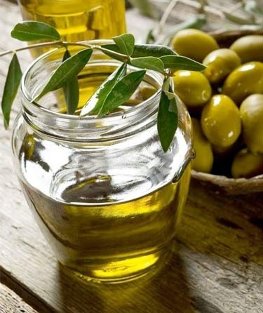 6 Surprising Beauty Benefits of Olive Oil