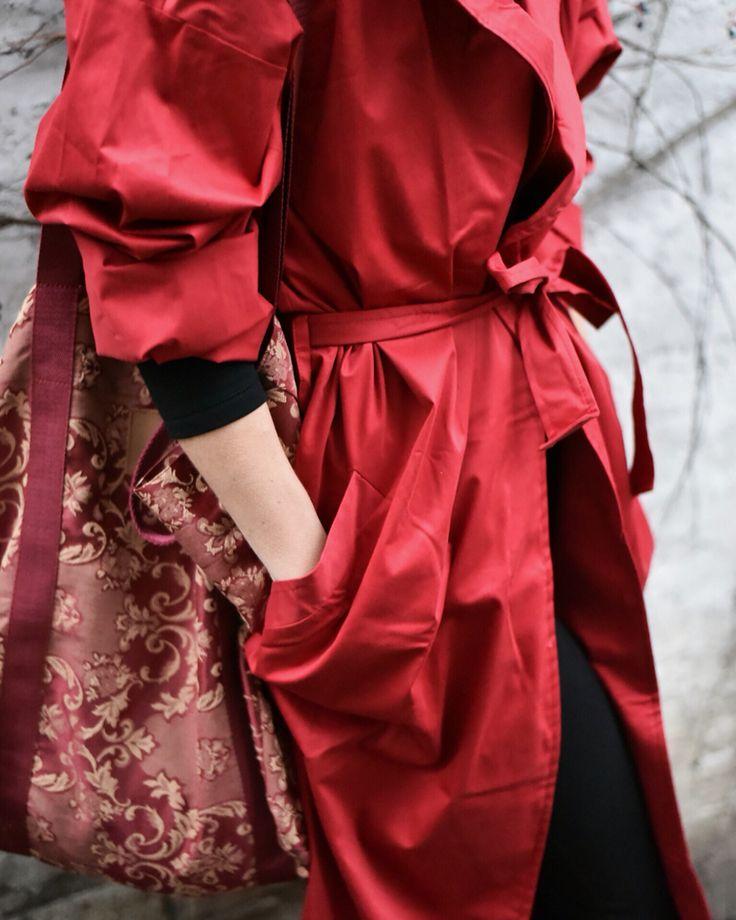 Red coat. BOHO style. Autumn woman. Mofflo.