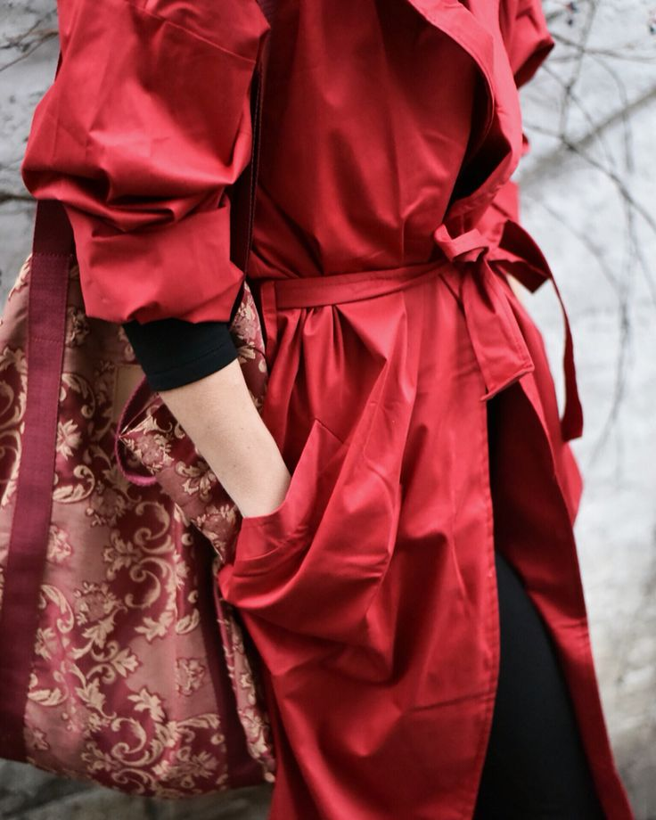 Red coat. BOHO style. Autumn woman. Mofflo.