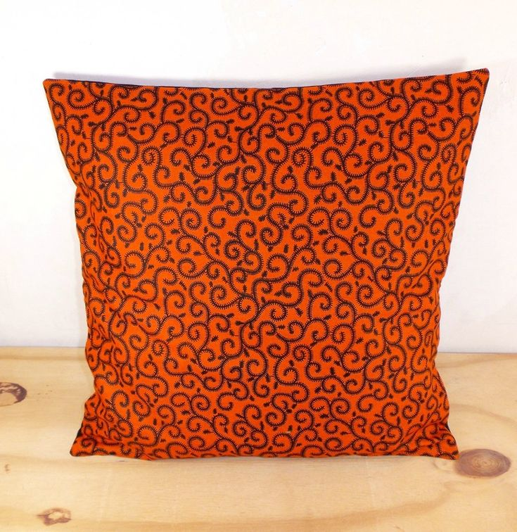 les 25 meilleures id es de la cat gorie coussin orange sur pinterest coussins oranges chaises. Black Bedroom Furniture Sets. Home Design Ideas