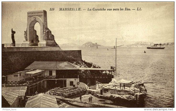 CPA Marseille La Corniche vue vers les Iles