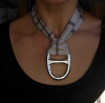 | P | Hermes scarf ring
