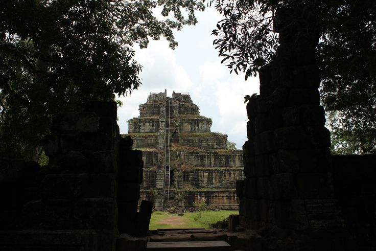 Koh Ker and Beng Mealea temples Day Trip in the remote country side of Cambodia!  http://hittheroadtours.com/koh-ker-day-trip/