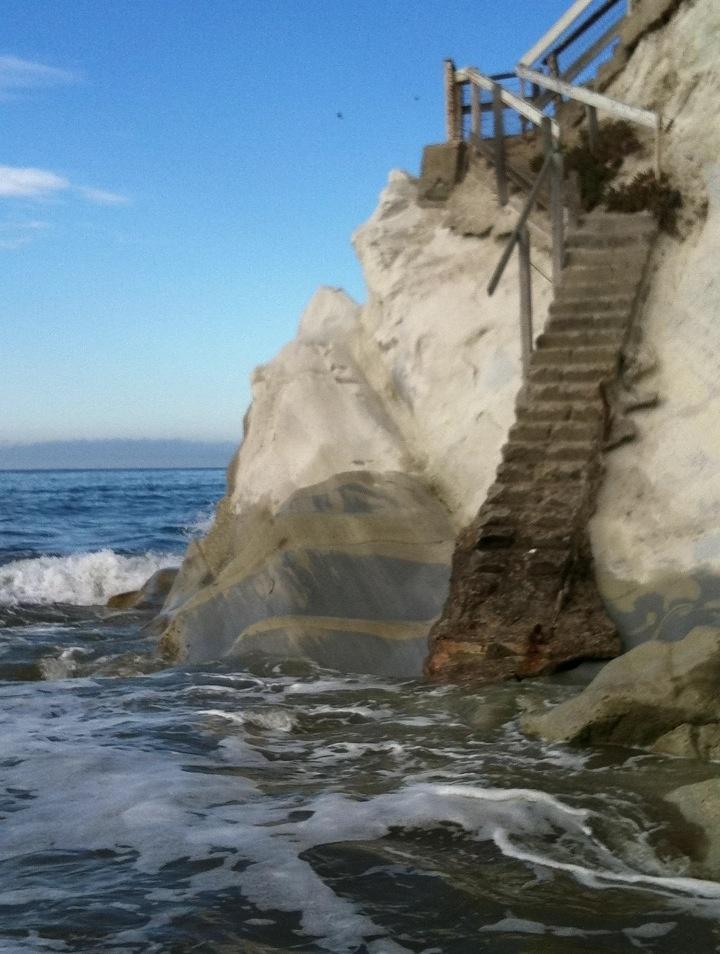 Pismo Beach At High Tide