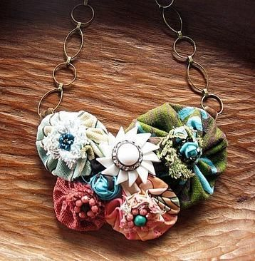 Upcycled Poppy Necklace @ Craftsy  Could make these from scrunchies. Love the idea!