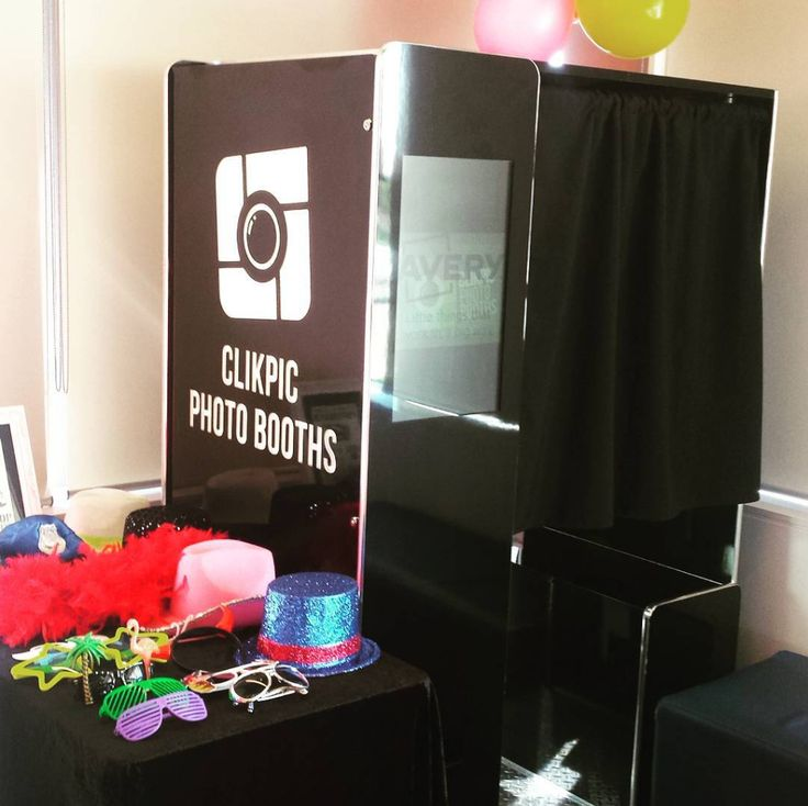 Back enclosed photo booth for Avery! Celebrate with Avery #PhotoBooth #Avery #CelebrateWithAvery