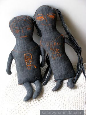 KATARZYNA HOŁDA: just dolls
