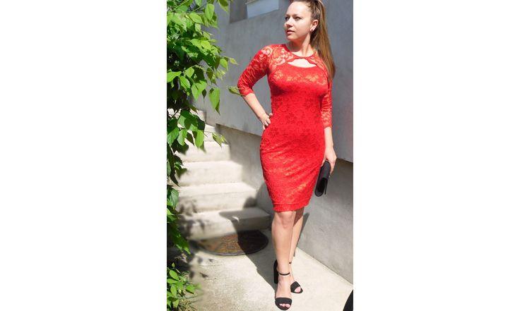 csipke ruhák webáruház: csipkés ruha, piros csipke ruha