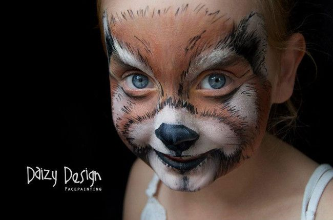 These astonishing face paintings by New Zealand-based artist Christy Lewis, aka Daizy, will make you do a double-take, or maybe even a triple-take even. Whenever she wants to try out a new design, she simply calls on her two daughters and son to be her guinea pigs models in her artistic experiments. After finishing yet […]