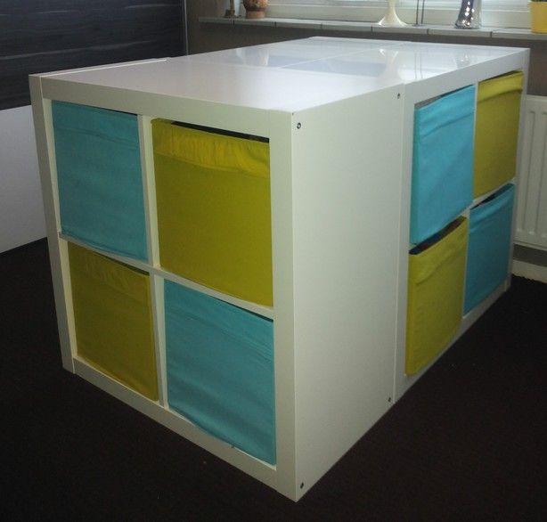 3 expedit kasten van ikea tegen elkaar aan en voila opbergruimte n een tafel waaraan je. Black Bedroom Furniture Sets. Home Design Ideas