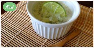 Crema de Pepino a la Menta #RecetaDelDia #cocinayrecetas #Recetas #NellaBisuTej https://nellabisutej-recetas.webnode.com.ve/crema-pepino-menta-recetas-cocina/