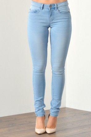 Ultimate Soft Short Skinny in Light Blue