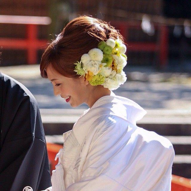 安田美沙子様の前撮りのお写真です* こちらは、白無垢でのご様子です* flower;@flower_design_sirk…