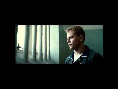 """""""Invictus"""" del poeta inglés William Ernest aparece en la película de Clint Eastwood de igual nombre. Trata sobre el cambio de mentalidad ocurrido en Sudáfrica cuando Nelson Mandela llegó al poder.  ¡Soy el amo de mi destino, soy el capitán de mi alma!"""