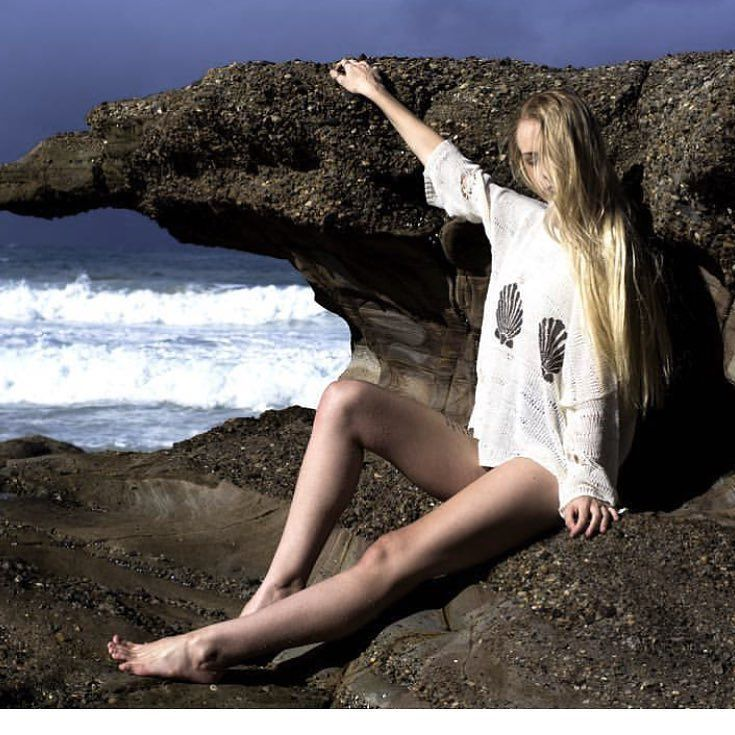 Mermaid behaviour. #lostlorelei #mermaidhair #blonde #bohemian #beach #knit #summerfashion