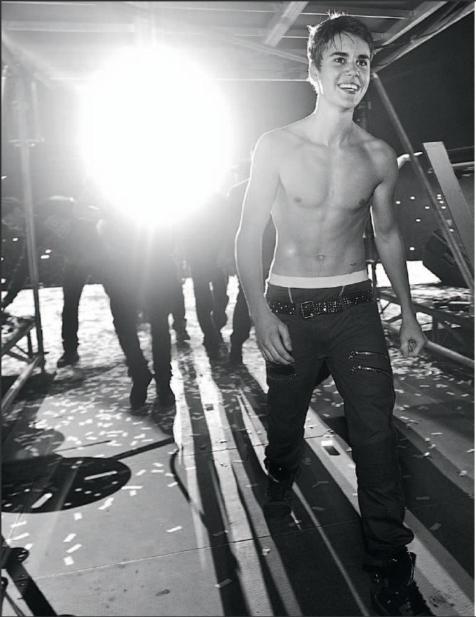 Justin Biber Naked