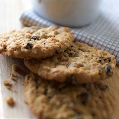 Vanishing Oatmeal Raisin Cookies Recipe - Quaker Oats Recipe - Delish.com