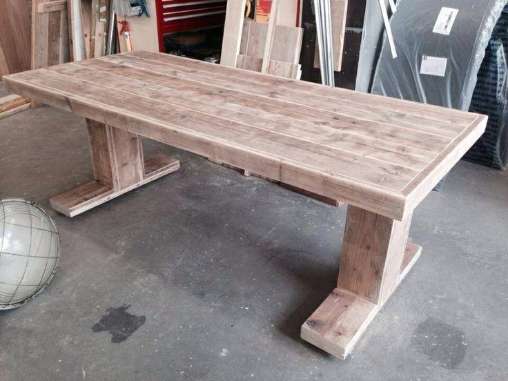 Steigerhouten tafel.