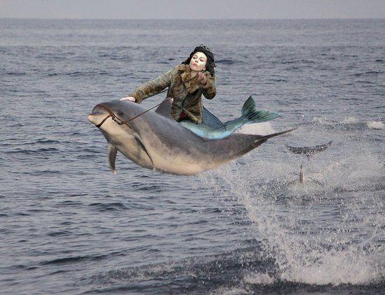 """The """"Falling Scarlett Johansson"""" meme"""