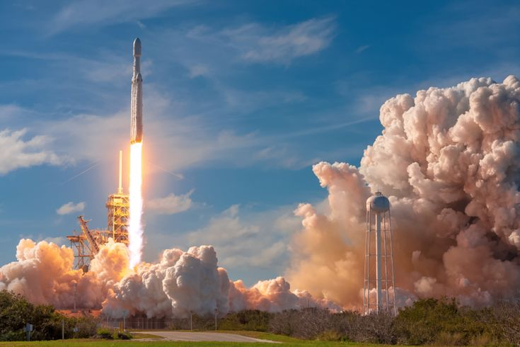 Behind the lens at SpaceXs historic Falcon Heavy launch