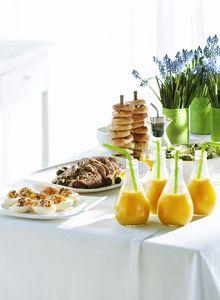 Kutsu ystävät, perhe tai sukulaiset koolle jo aamusta ja kata tarjolle runsas ja herkullinen brunssi.