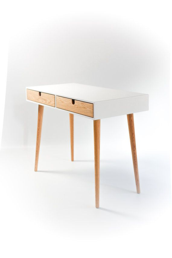 Desk lacquered in white and oak drawers Bureau | Designer: Habitables