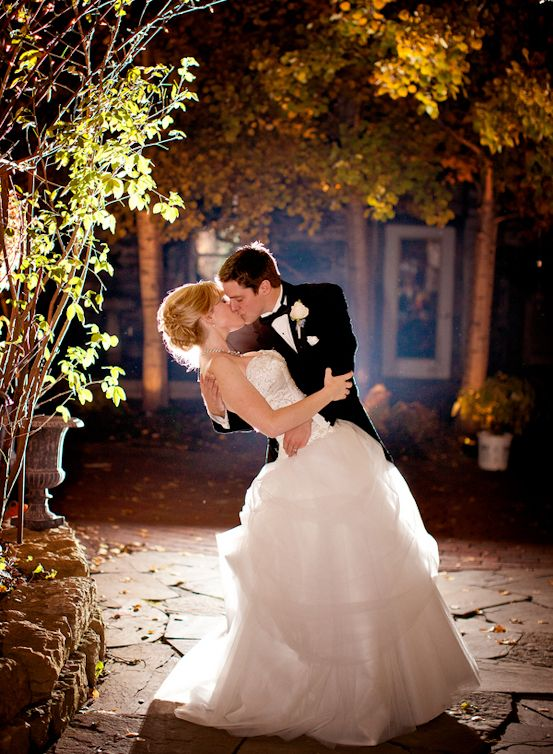 Best 25 Night Wedding Photography Ideas On Pinterest Photos Pictures And Picture Poses
