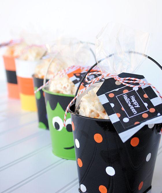 DIY Halloween Trick or Treat Buckets