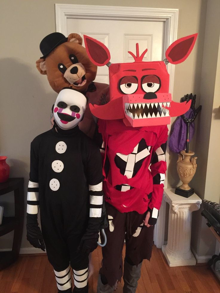 Halloween! Five nights at Freddy's Marionette and foxy costumes