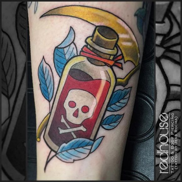 """Résultat de recherche d'images pour """"tatouage bouteille de poison"""""""