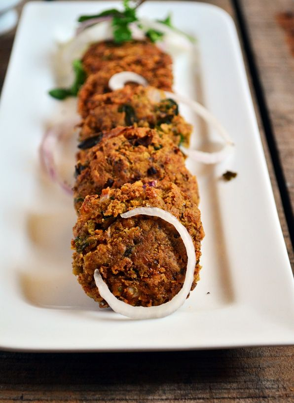 Vegetarian shammi kabab recipe: Absolutely crispy and melt in mouth vegetarian shammi kabab,very easy tasty and healthy recipe,no deep fry recipe @ http://cookclickndevour.com/2015/02/vegetarian-shammi-kabab-recipe.html