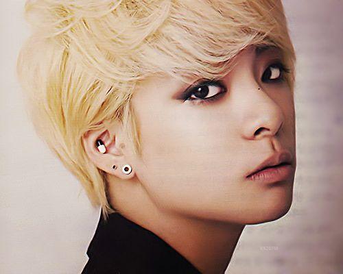 Amber:singer