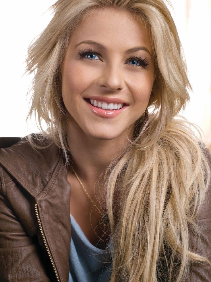 she's soooo pretty. love her hair!