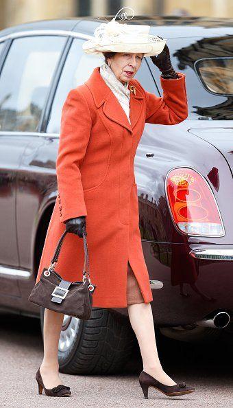 Принцесса Анна, Британские Королевские Особы Посещают Пасхальное Воскресенье Церковная Служба