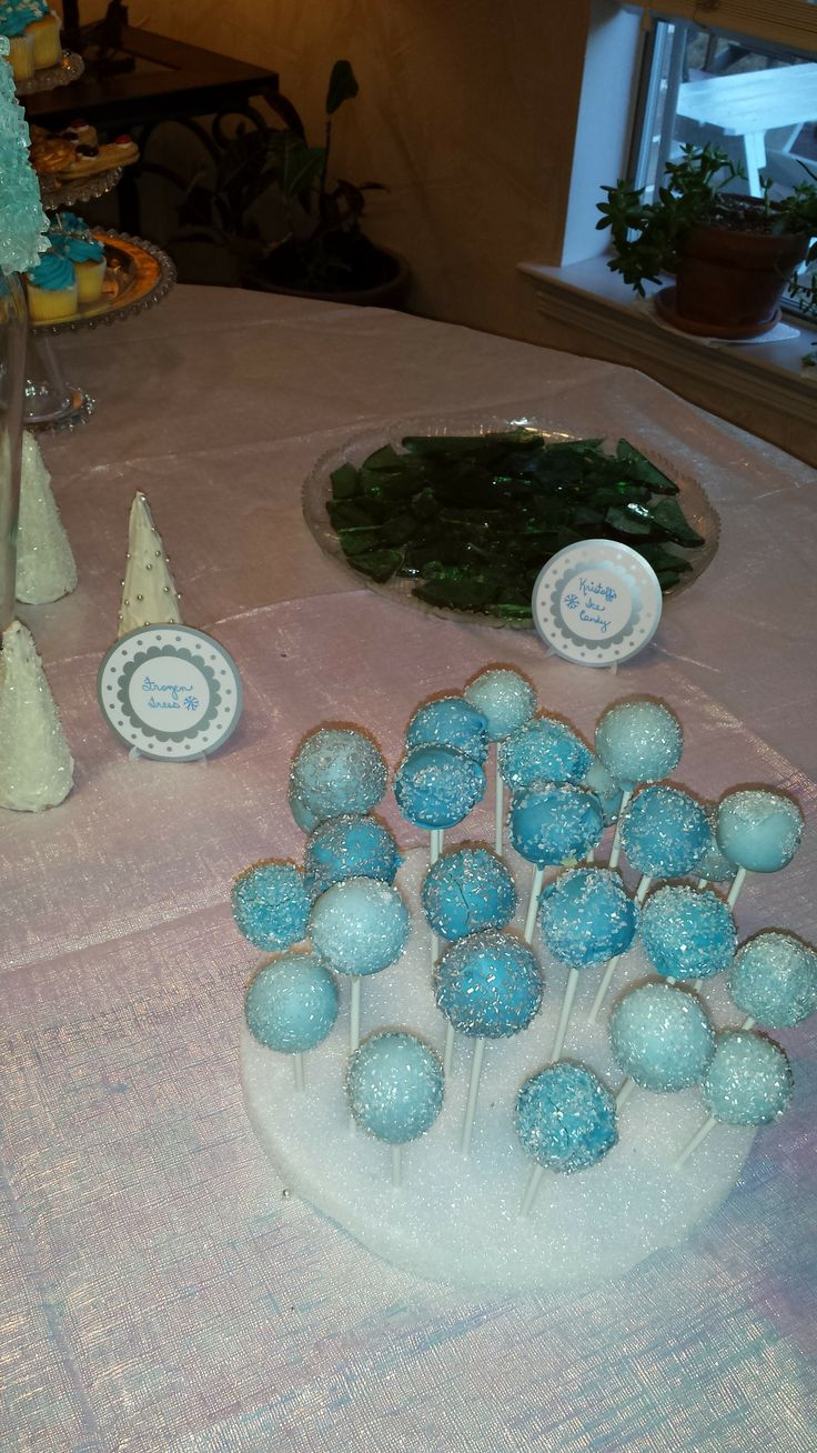 Images Of Frozen Cake Pops : Disney Frozen party - icy cake pops Party Fun ...