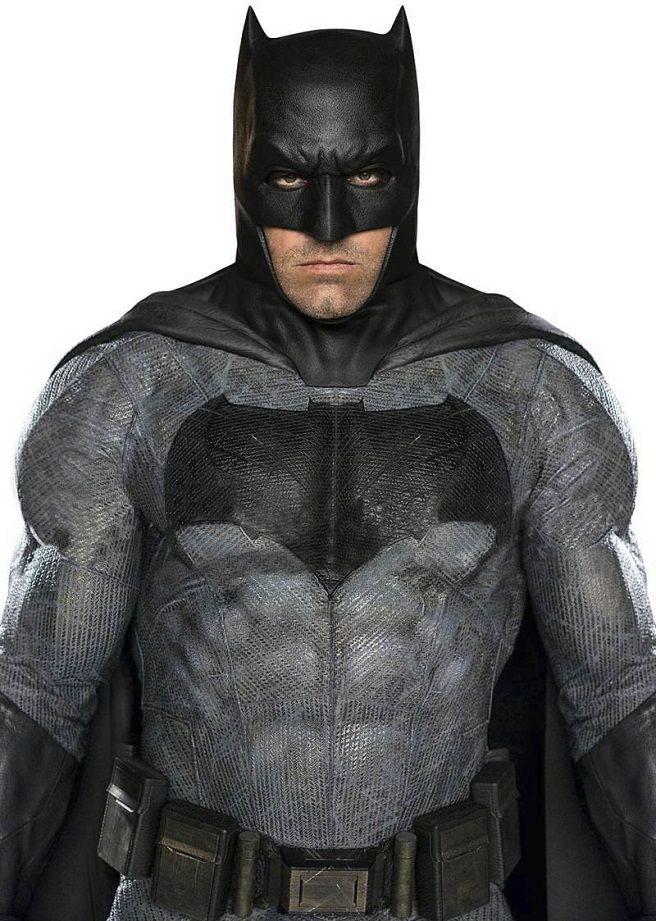Clearest looks yet at Ben Affleck's Batman from Batman V Superman - Movie News   JoBlo.com