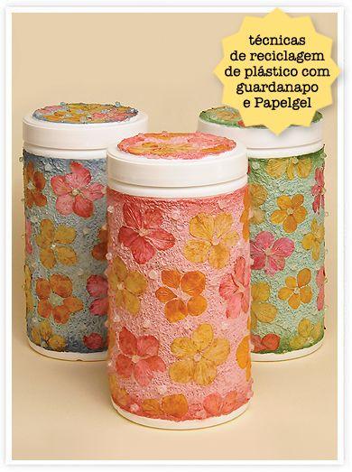 Reciclando potes de plásticos