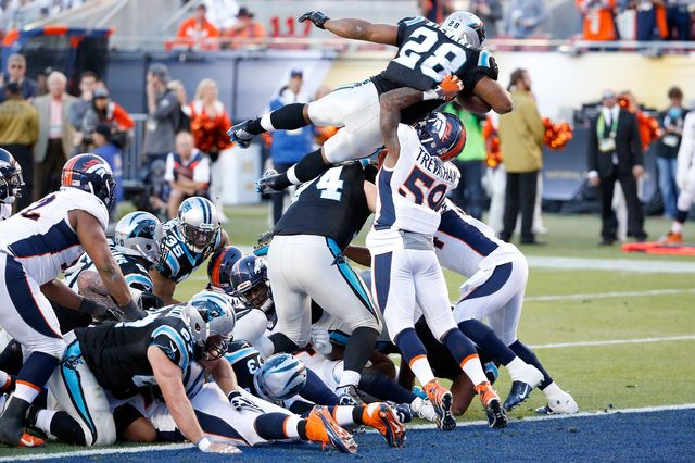Big plays in Broncos Panthers game at Super Bowl 50 - Gallery…