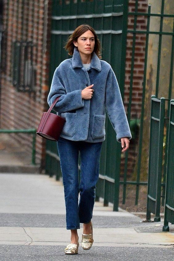 Alexa+Chung+wearing+Gucci+Marmont+Pumps,+Staud+the+Bissett+Bag+in+Bordeaux+and+Burberry+Shearling+Car+Coat+in+Dusty+Opal+Blue