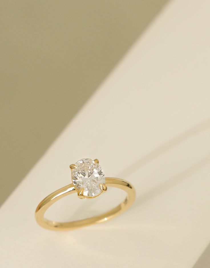 VOW: Vrai & Oro Wedding 1ct Oval Diamond Ring 18k Yellow Gold Conflict-Free Diamond