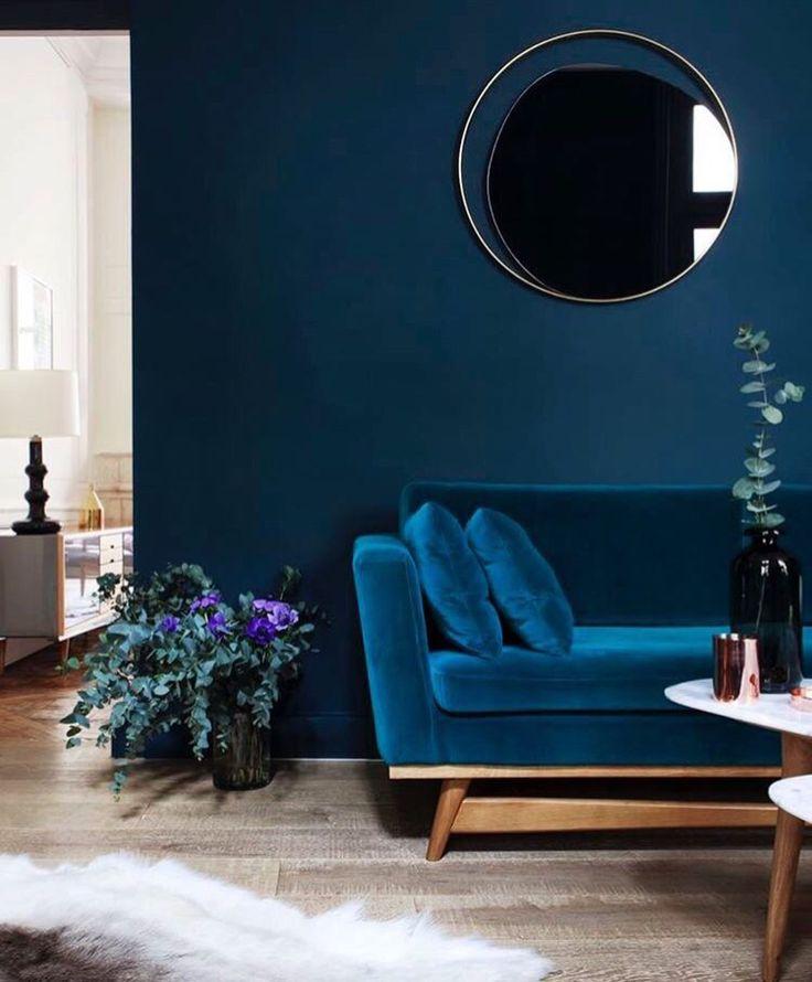 Color palette - black, blue, tan, plants // bathroom