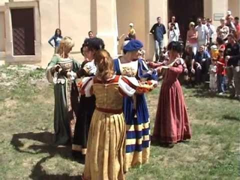 ▶ Kings & Beggars - Branle des Chevaulx - YouTube