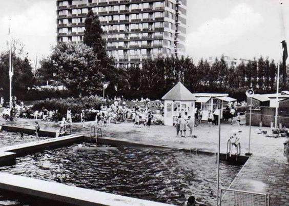 Rotterdam Hillegersberg - Openlucht zwembad 't Zwarte Plasje