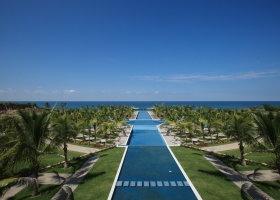 La Tranquila Punta Mita - Ceremony over the pool
